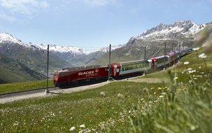 Oberalppass ©Glacier Express, Stefan Schlumpf (5'000 x 3'746 px / 6,40 MB) <a href='fileadmin/user_upload/GEX/Bilder/Pressebilder/Oberalppass_Andermatt_Schlumpf.jpg' download class='dlink'>Download Link</a>