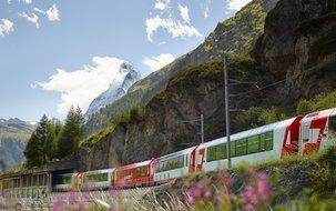 (2'048 x 1'536 px / 2,44 MB) <a href='fileadmin/user_upload/GEX/Bilder/Neue_Bildergalerie_2020/Glacier_Express_vor_Zermatt.jpg' download class='dlink'>Download Link</a>