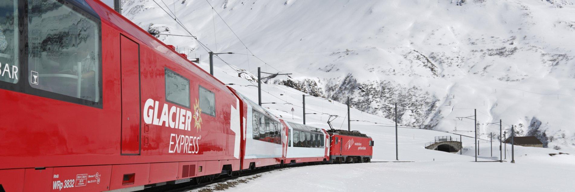 Glacier Express Naetschen Richtung Oberalp im Winter Naetschen/Uri/Schweiz