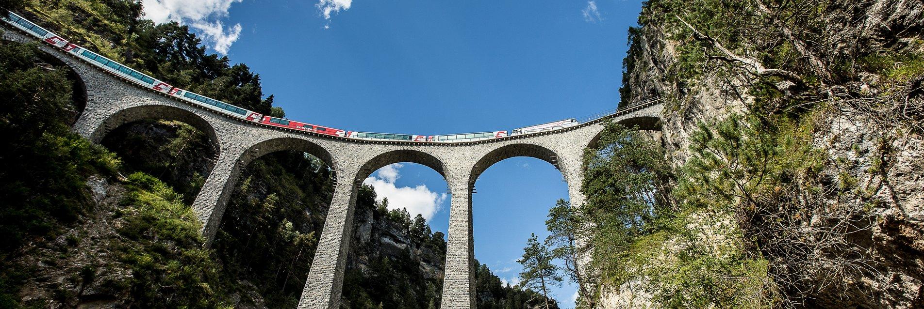 Rhaetische Bahn: Glacier Express - Landwasserviadukt